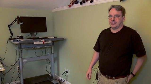 Video – Conheça o inusitado escritório de Linus Torvalds